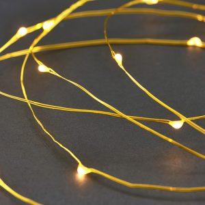 House Doctor Mosazný světelný řetěz String - Vzdálenost mezi světýlky move10 cm- Žárovka move 80 x LED